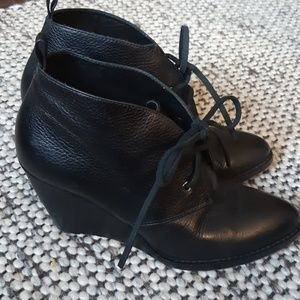 Cole Haan Leather Bootie 8.5